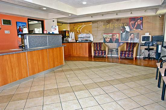 Motel 6 Buttonwillow North: MLobby