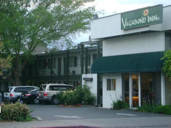 University Inn: Vagabond Inn