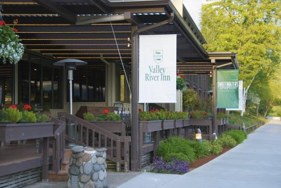 The Valley River Inn: SweetWaters11-7-11 HR
