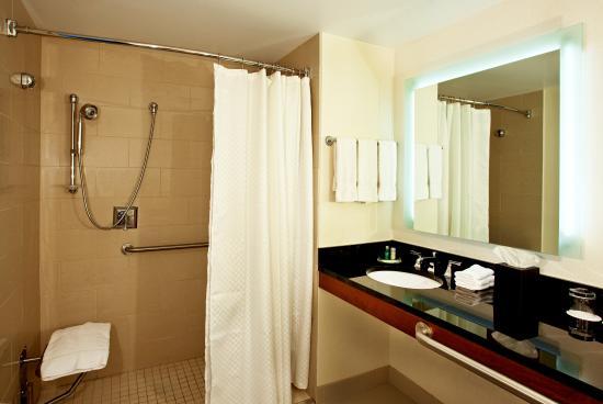 The Westin Boston Waterfront: Bathroom