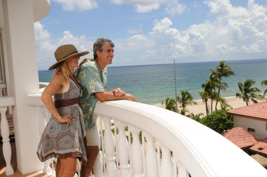 Beachcomber Resort and Villas : A view from the balcony of an Ocean View room