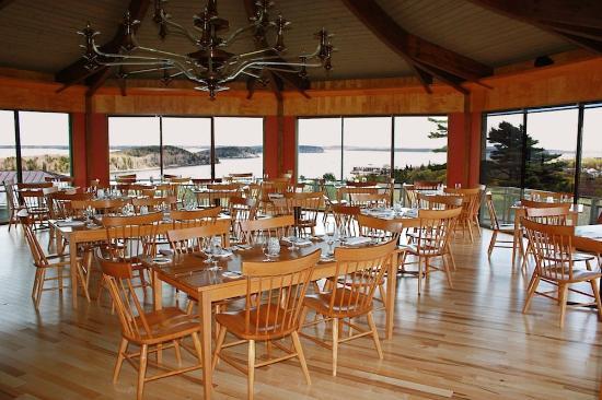 Bluenose Inn - A Bar Harbor Hotel: Looking Glass Restaurant