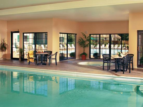 Falls Village Resort: Falls Village Indoor Pool