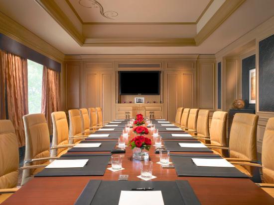 The St. Regis Houston : John Jacob Astor Boardroom