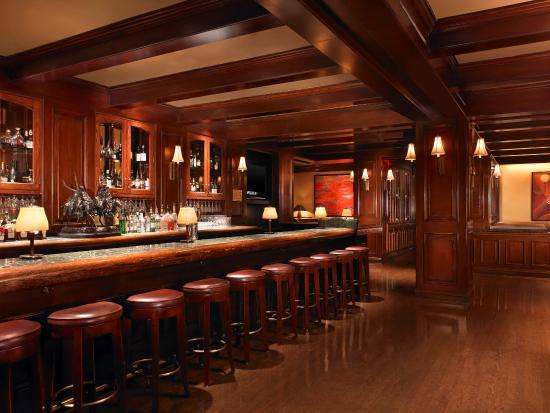 The St. Regis Houston : The Remington Bar