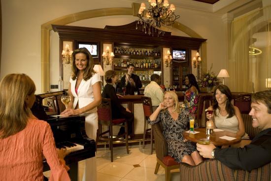 Belterra Casino Resort: Lobby Bar