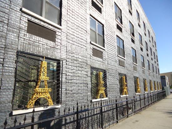Street View Picture Of Paris Suites Hotel Flushing Tripadvisor