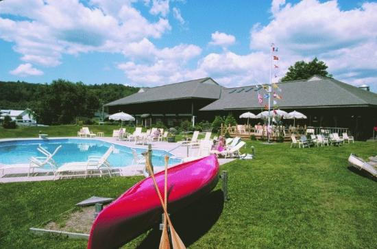 Commodores Inn: On site activities