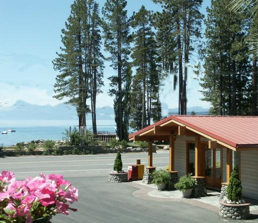 Firelite Lodge: Exterior View