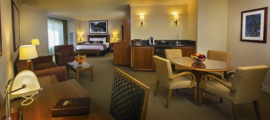 Pala Casino Resort and Spa: Luxury Suite