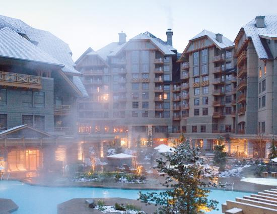 Four Seasons Resort and Residences Whistler: Four Seasons Whistler - Exterior Exterior Pool