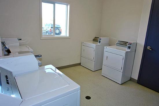 Motel 6 Red Deer: Laundry