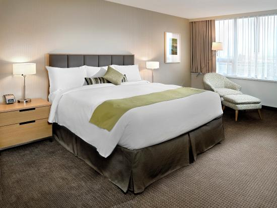 Coast Chilliwack Hotel: Superior Room