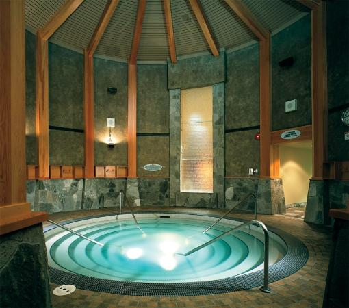 Harrison Hot Springs, Canadá: Indoor Hot Pool