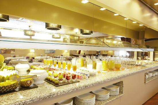 Hotel Plaza Andorra: Breakfast Buffet