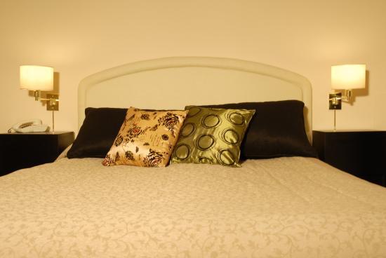 Hotel La Perla: Guest Room