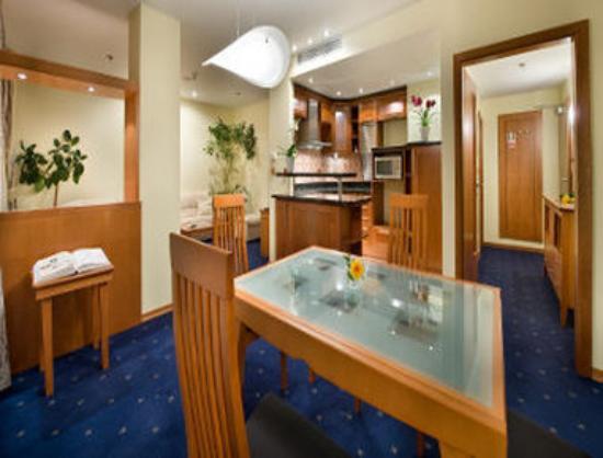Ramada Prague City Centre: Suite