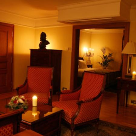 Golden Well Hotel : Room