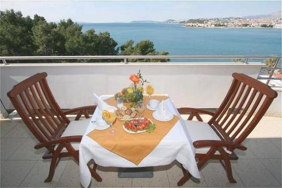 Hotel Eden: Sea view