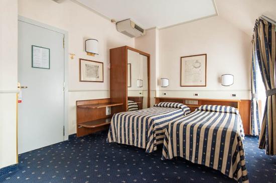 Flora Hotel: Room1