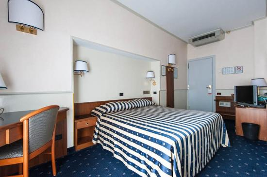 Flora Hotel: Room3