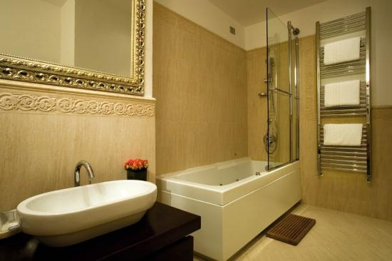 Hotel Atlantic Palace: Bathroom