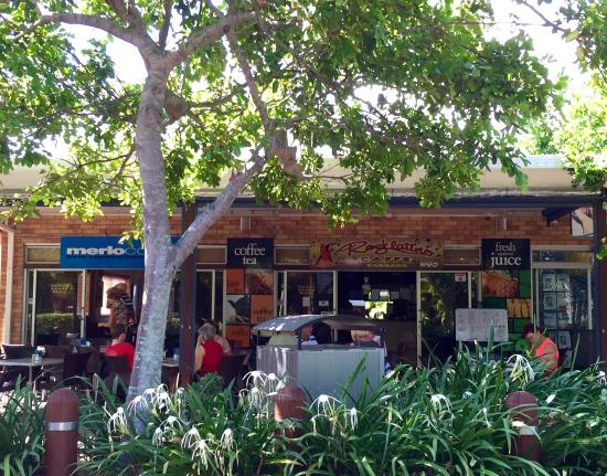 Rocklatino Caffe: Great spot for Brekkie or Lunch