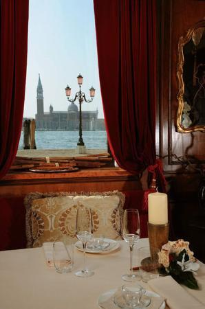 Metropole Hotel: Restaurant