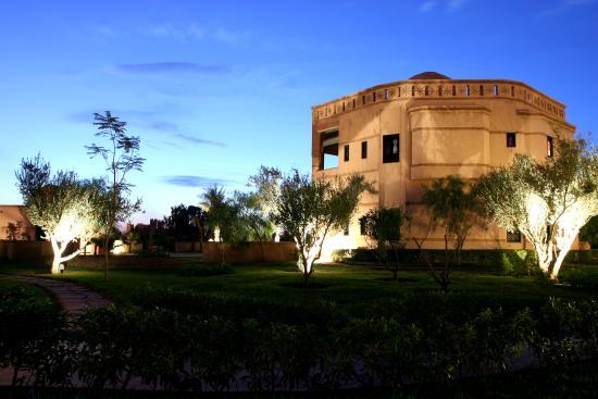 Rose Garden Resort & Spa: Exterior View