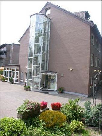 Art Hotel Aachen: Exterior