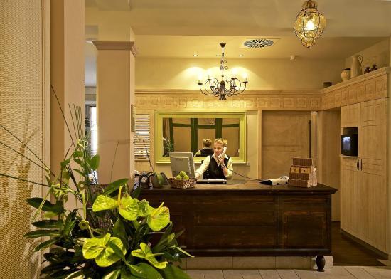 clarion hotel hirschen freiburg im breisgau duitsland foto 39 s reviews en prijsvergelijking. Black Bedroom Furniture Sets. Home Design Ideas