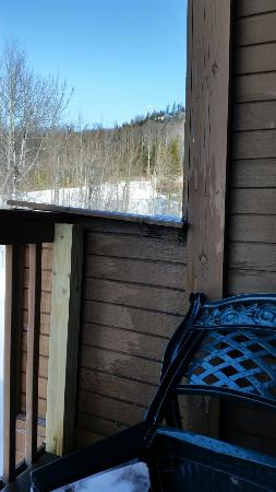 Caribou Highlands Lodge : Patio falling apart.