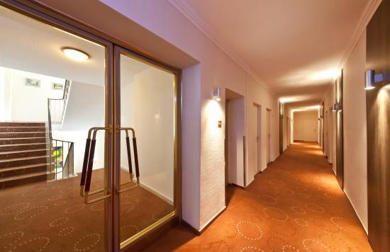 Novum Hotel Lichtburg am Kurfuerstendamm: Corridor