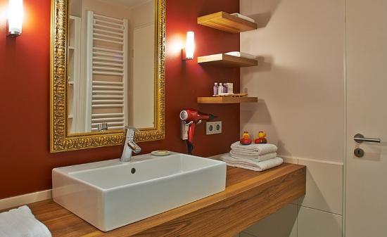 Xenios Apartments: Bathroom