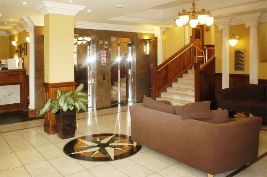 Royal Eagle Hotel: Lobby