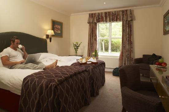 The Charlecote Pheasant Hotel: Guest Bedroo
