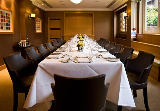 Jumeirah Lowndes Hotel: Meeting Room Private Dining Long Table