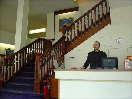 Royal Norfolk Hotel: Lobby View