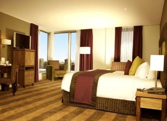 Ten Hill Place Hotel: Guest Room