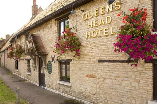 The Queens Head Hotel : Exterior
