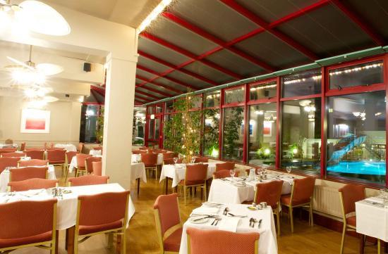 Apollo Hotel: Restaurant