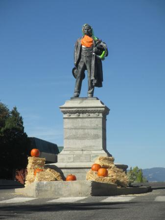 Butte, MT : Marcus Daly ready for Halloween