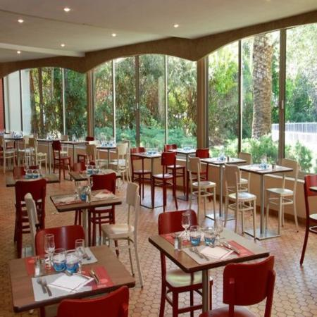 Terrasse restaurant photo de campanile cannes ouest for Meilleur resto cannes