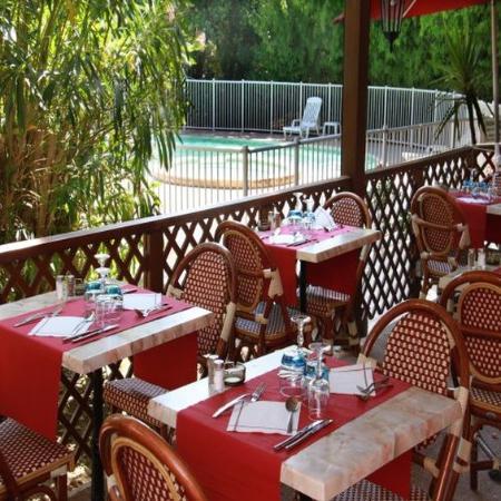 Campanile Cannes Ouest - Mandelieu: Terrace