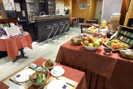 Kyriad Lille Centre - Gares : Restaurant