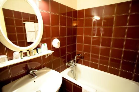Hotel de la Tulipe Tour Eiffel : Bathroom