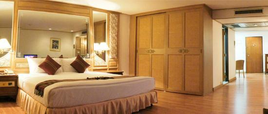 Montien Hotel Bangkok: Corporate Deluxe Room