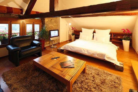 Domaine De Chateauvieux : Duplex suite bedroom