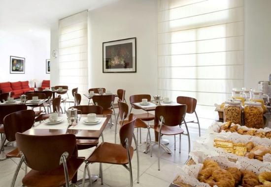 Hotel Medium Monegal : Monegal Desayuno