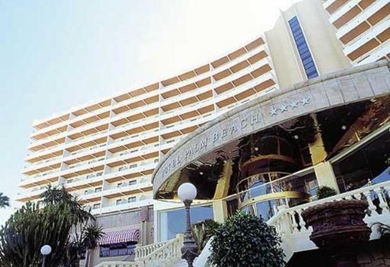 Palm Beach Hotel: Exterior